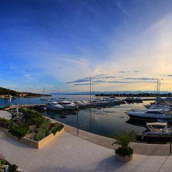 Sutomišćica Olive island marina